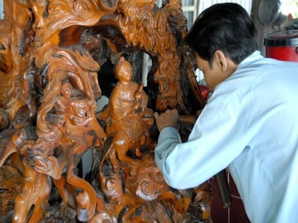 Làng nghề Điêu khắc gỗ Mỹ Xuyên
